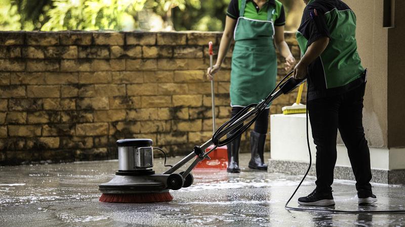 Equipo para expandirse a limpieza comercial